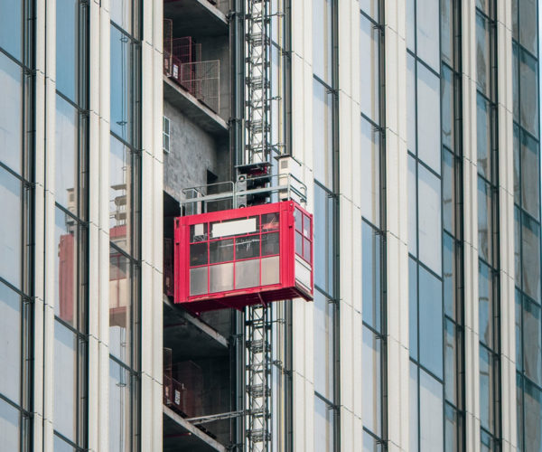 elevators-lifts-construction-sites-skyscraper-construction-mini